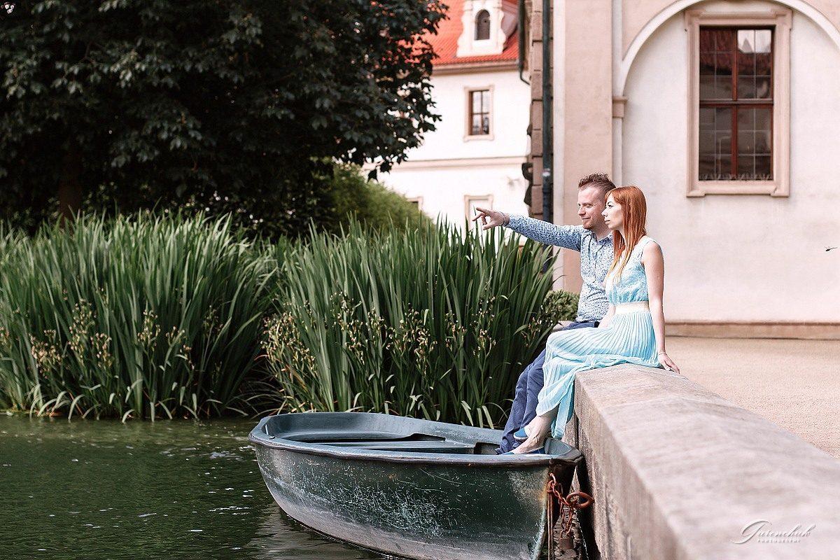 Фотопрогулка пары в Вальдштейнском саду