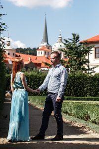 Фотосъёмка влюбленных в Вальдштейнском саду