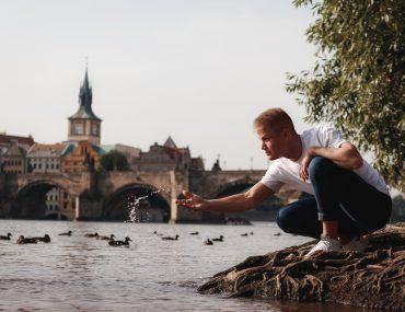 Men's photo shoot in Prague on the Charles Bridge
